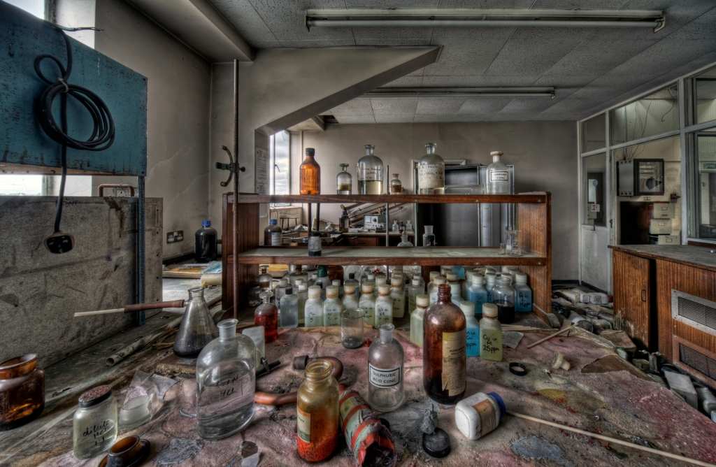 Abandoned lab - Paul/Flickr